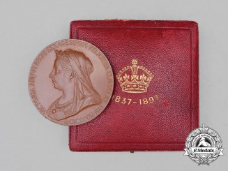 A Queen Victoria Diamond Jubilee Commemorative Medal, 1837-1897, Cased