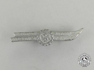 A 1941 DAF Winter Sports Day of Businesses Badge by B. H. Mayer