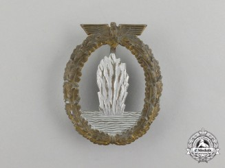 A Second War German Kriegsmarine Minesweeper Badge