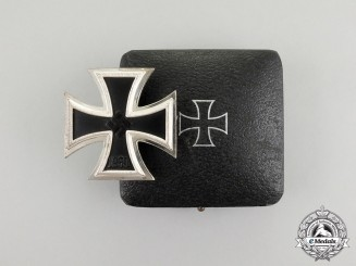 An Absolutely Mint Iron Cross 1939 in its Case of Issue