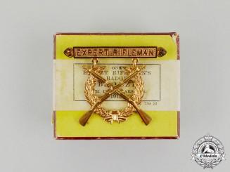 A Mint Rock Island Arsenal Expert Rifleman's Badge 1915 in Carton