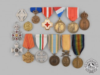 International. A Lot of Fourteen Medals & Awards