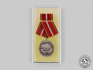 Germany, GDR. A National People's Army (NVA) Distinguished Service Medal, Silver Grade, with Case
