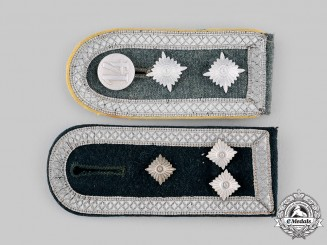 Germany, Heer. A Pair of Shoulder Straps