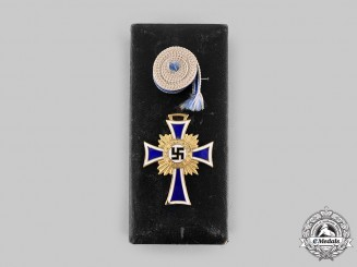 Germany, Third Reich. An Honour Cross of the German Mother, Gold Grade with Case, by Alfred Stübbe