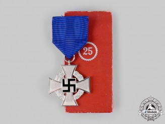 Germany, Third Reich. A 25-Year Faithful Service Cross, with Case, by Wächtler & Lange