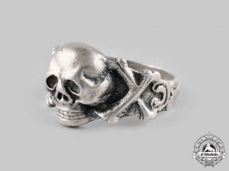 Germany, Third Reich. A Silver Commemorative Totenkopf Ring