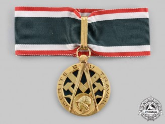 France, IV Republic. An Order of Merit for Commerce and Industry, III Class Knight, c.1960
