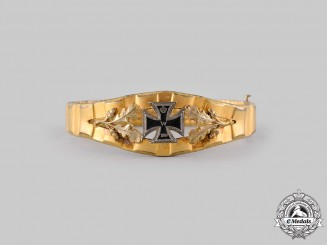 Germany, Imperial. A First War Trench Art Bracelet