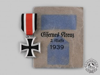 Germany, Wehrmacht. A 1939 Iron Cross II Class with Package of Issue