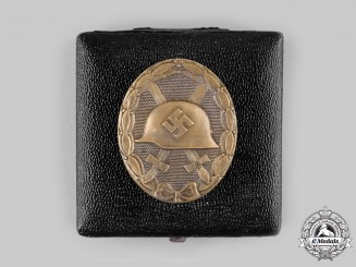 Germany, Wehrmacht. A Wound Badge, Bronze Grade, with Case