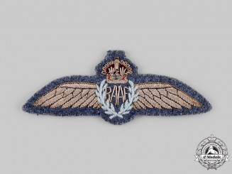 Australia. A Royal Australian Air Force (RAAF) Pilot Dress Badge