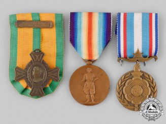 France, IV Republic; Japan, Empire; Netherlands, Kingdom. Three Commemorative War Medals