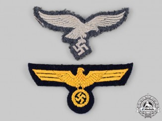 Germany, Wehrmacht. A Pair of Wehrmacht EM/NCO Breast Eagles
