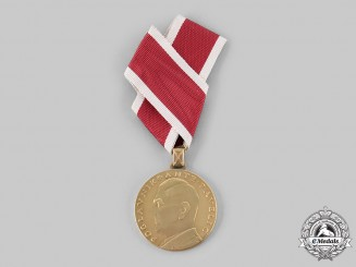 Croatia, Independent State. An Extremely Rare Ante Pavelić Bravery Medal in Gold, by Teodor Krivak, Varaždin