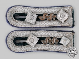 Germany, Heer. A Set of Medical Oberfeldwebel Shoulder Straps