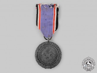 Germany, Third Reich. An Air Defence Medal, II Class, Heavy Version