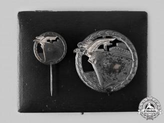 Germany, Kriegsmarine. A Blockade Runner Badge, Cased Set with Pin, by Schwerin
