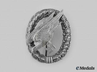 Germany, Luftwaffe. A Fallschirmjäger Badge