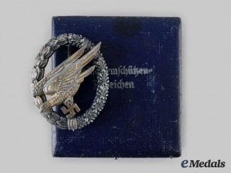 Germany, Luftwaffe. A Fallschirmjäger Badge, Type A with Case, by G.H. Osang
