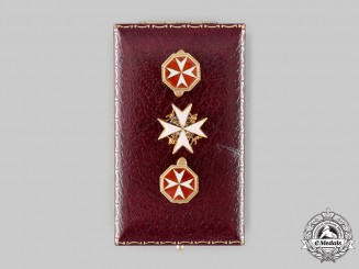 United Kingdom. An Order of St. John Lapel Badge & Cufflinks Pair, by Spink