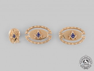 International. A Freemason Cufflinks Pair and Lapel Badge