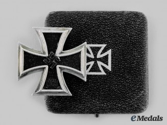Germany, Wehrmacht. A 1939 Iron Cross, I Class, by Wilhelm Deumer with Case