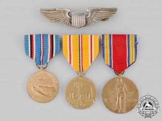 United States. A Lot of Insignia & Awards