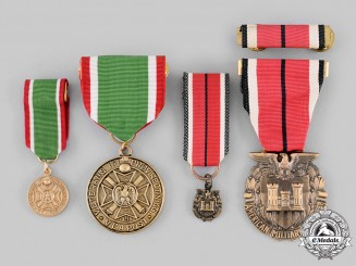 United States. Two Veterans Medals, Fullsize and Miniature