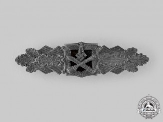 Germany, Wehrmacht. A Close Combat Clasp, Silver Grade