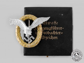 Germany, Luftwaffe. A Pilot and Observer Badge, with Case