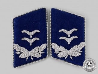 Germany, Luftwaffe. A Set of Medical Service Oberleutnant Collar Tabs