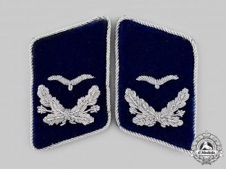 Germany, Luftwaffe. A Set of Medical Leutnant Collar Tabs