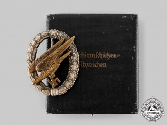 Germany, Luftwaffe. A Fallschirmjäger Badge with Case, by Imme & Sohn, Eric Queen Collection