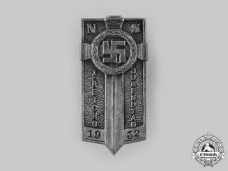 Germany, Weimar Republic. A 1932 Reich Day of the Youth Badge by Ferdinand Hoffstätter