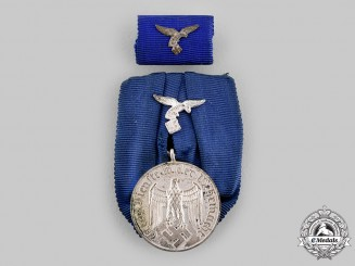 Germany, Luftwaffe. A 4-Year Long Service Medal, with Ribbon Bar