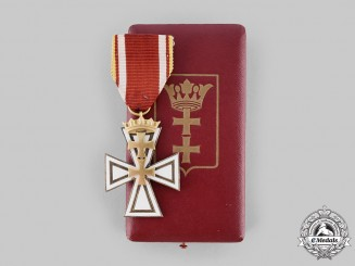 Germany, Third Reich. A Rare Danzig Cross, II Class with Case, by Hülse