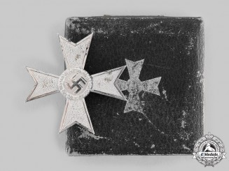 Germany, Wehrmacht. A War Merit Cross I Class, with Case
