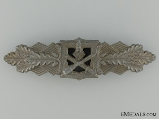 A Close Combat Clasp; Bronze Grade by F & B L