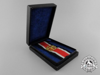 A Mint Luftwaffe Honor Roll Clasp with Case