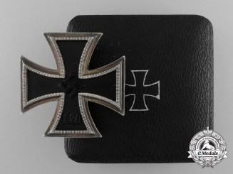 A Rare Godet Made Iron Cross 1st Class 1939 with Case