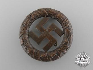 A 1933 NSDAP District Gau München Badge by Deschler