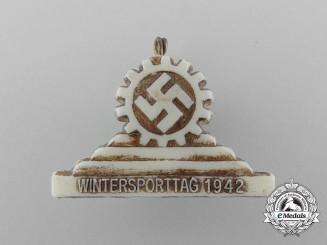 A 1942 Wintersporttag Badge