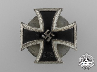 An Iron Cross First Class 1939; Unusual Schinkel Screwback Type