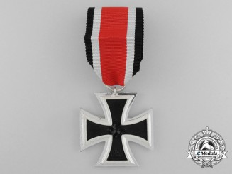 An Iron Cross 1939 Second Class by Gustav Brehmer of Markneukirchen
