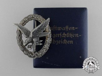 A cased Radio Operator & Air Gunner Badge by Berg & Nolte, Lüdenscheid