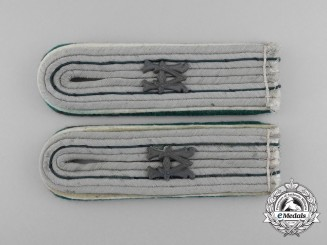 A Matching Pair of Wehrmacht Heer Administrative Official (Beamter auf Kriegsdauer) Shoulder Boards