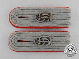 A Set of Grossdeutschland Division  Lieutenant's Artillery Shoulder Boards