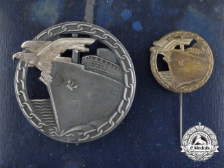 An Early Quality Cased Set of Blockade Runner Badges by Georg Schwerin of Berlin
