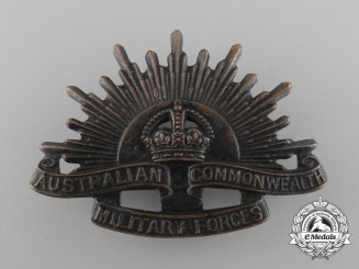 A First War Australian Commonwealth Military Forces Cap Badge; Third Pattern